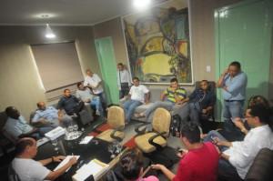 Astro com líderes do movimento e vereadores