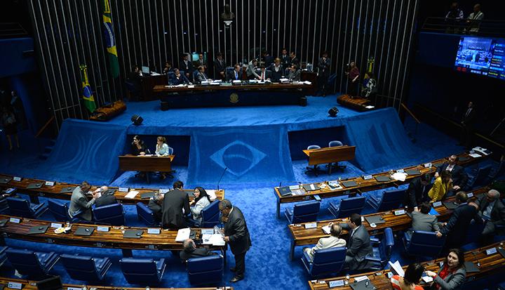 Plenário do Senado finaliza votação da redação final da reforma política, que agora volta para a Câmara (Wilson Dias/Agência Brasil)